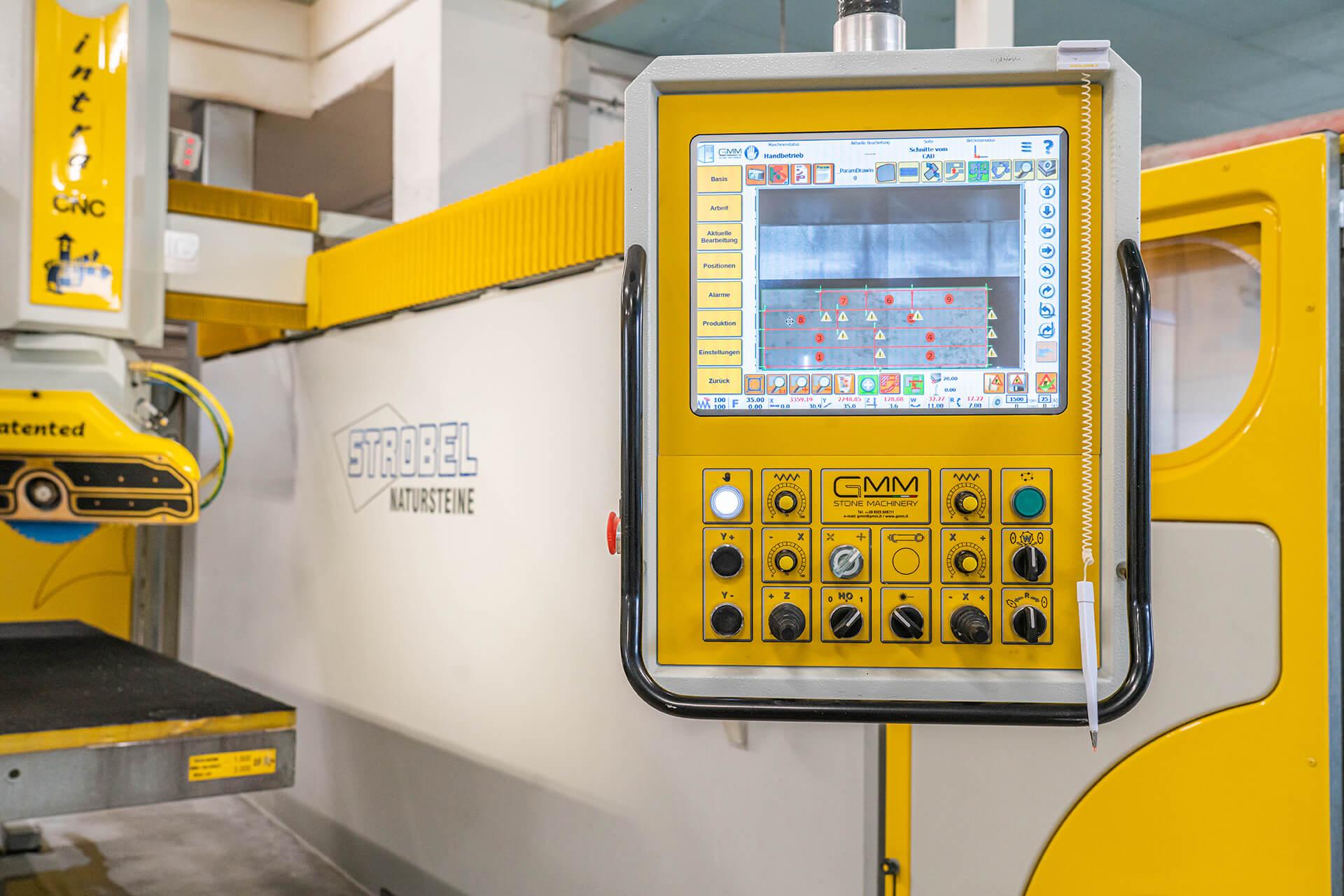 ein Herz für Stein -unsere moderne CNC–Maschine